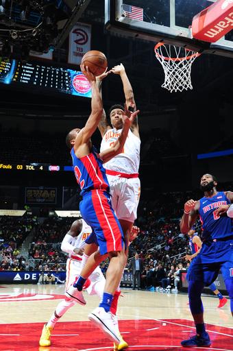 Drummond helps Pistons beat Hawks to snap 7-game skid (Dec 14, 2017)