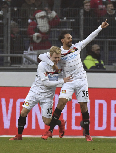 Bailey stars but Leverkusen held 4-4, Hertha beats Leipzig