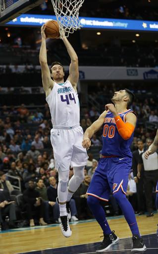 Kaminsky ties season high with 24, Hornets top Knicks 109-91 (Dec 18, 2017)