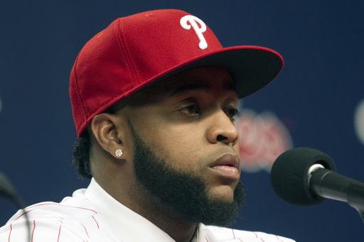 Carlos Santana's team-first attitude attracted Phillies