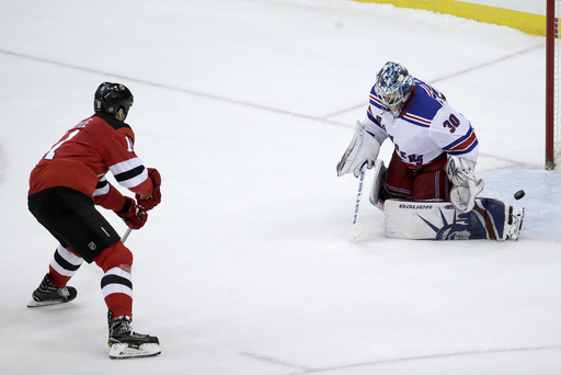 Boyle leads Devils to 4-3 win over rival Rangers in shootout (Dec 21, 2017)