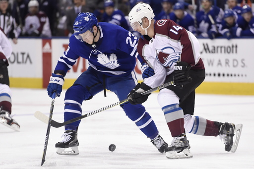 Comeau leads Avalanche past Leafs for 10th straight win