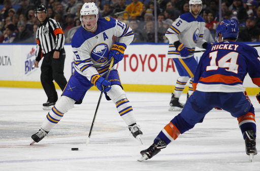 Reinhart lifts Sabres to 4-3 win over Islanders
