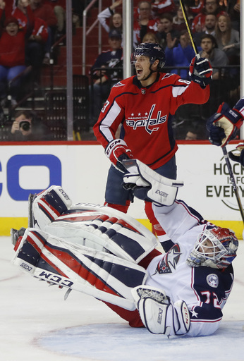 Beagle's 50th helps Capitals to 4-2 win over Blue Jackets