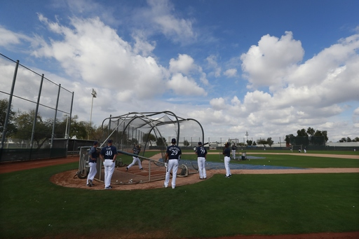 Brewers counting on another top season Knebel, bullpen