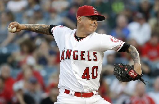 Pitcher Jesse Chavez, Rangers reach $1 million, 1-year deal