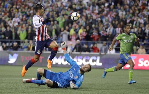 Dempsey's late goal lifts Sounders past Chivas, 1-0