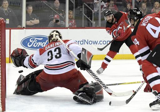 Noesen late goal gives Devils 4-3 win over Hurricanes