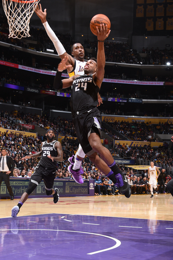 Hield scores 19, Kings beat Lakers 84-83 to snap 4-game skid
