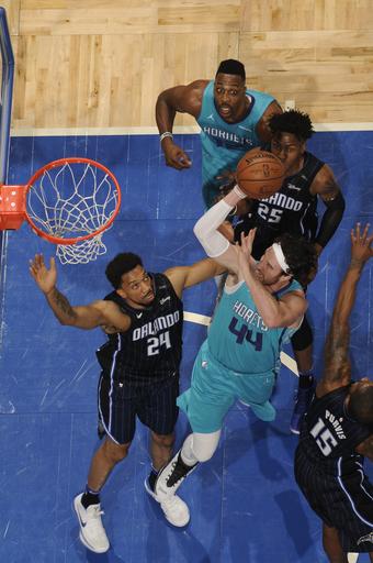 Monk scores 26, Hornets rout Magic 137-100