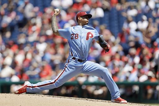 Phillies righty Vince Velasquez has a no-hitter through 6