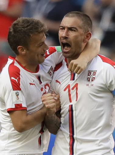 Kolarov scores from free kick, Serbia beats Costa Rica 1-0