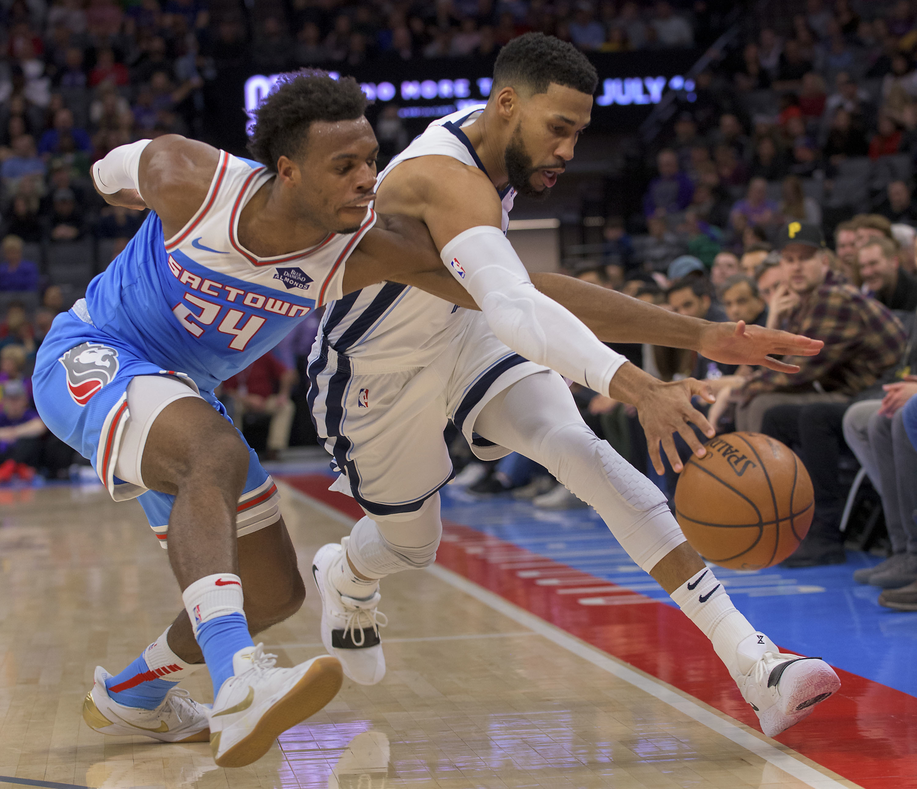 Hield scores 28 points to push Kings past Grizzlies 102-99