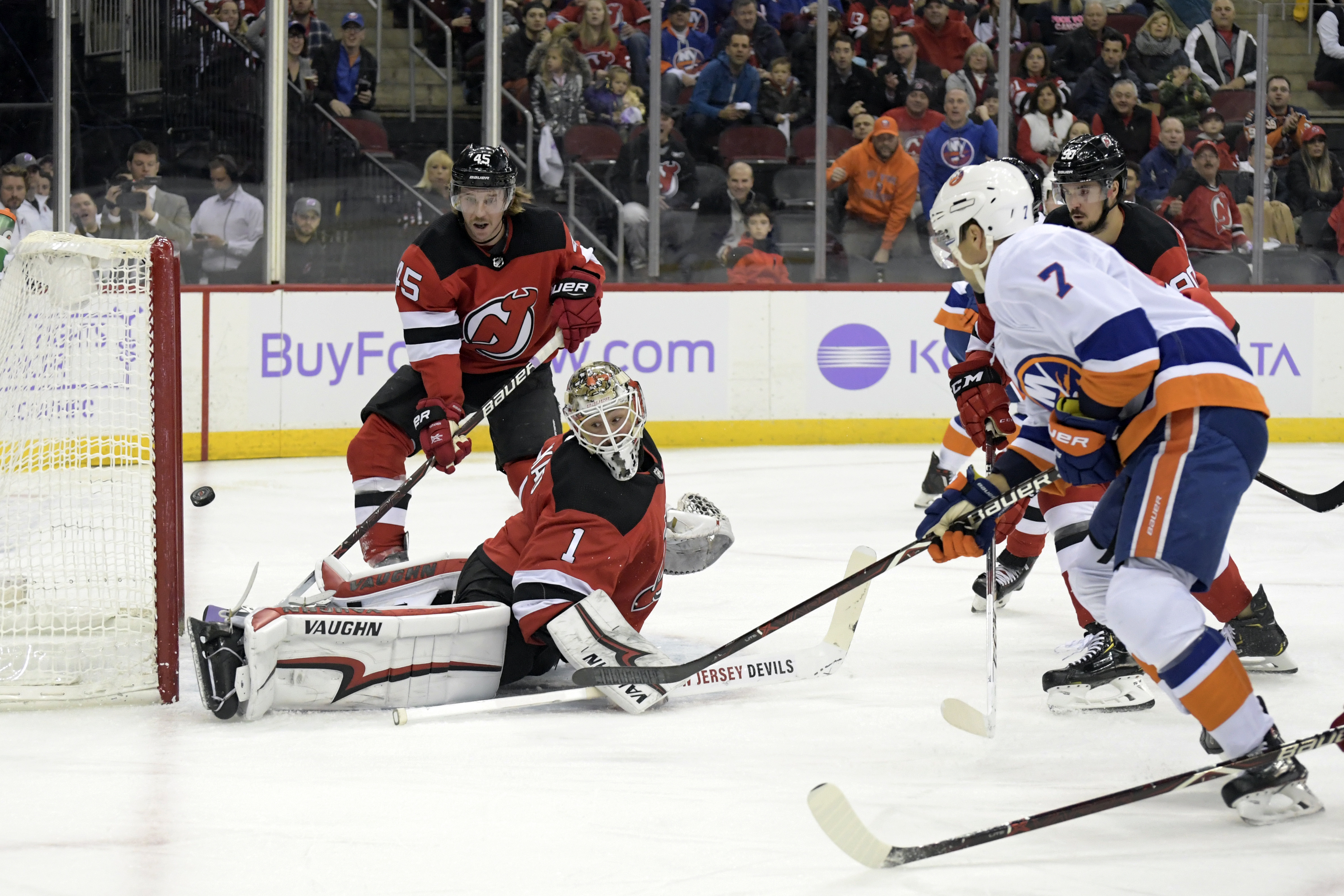 Highlight reel goal by Leddy leads Islanders over Devils