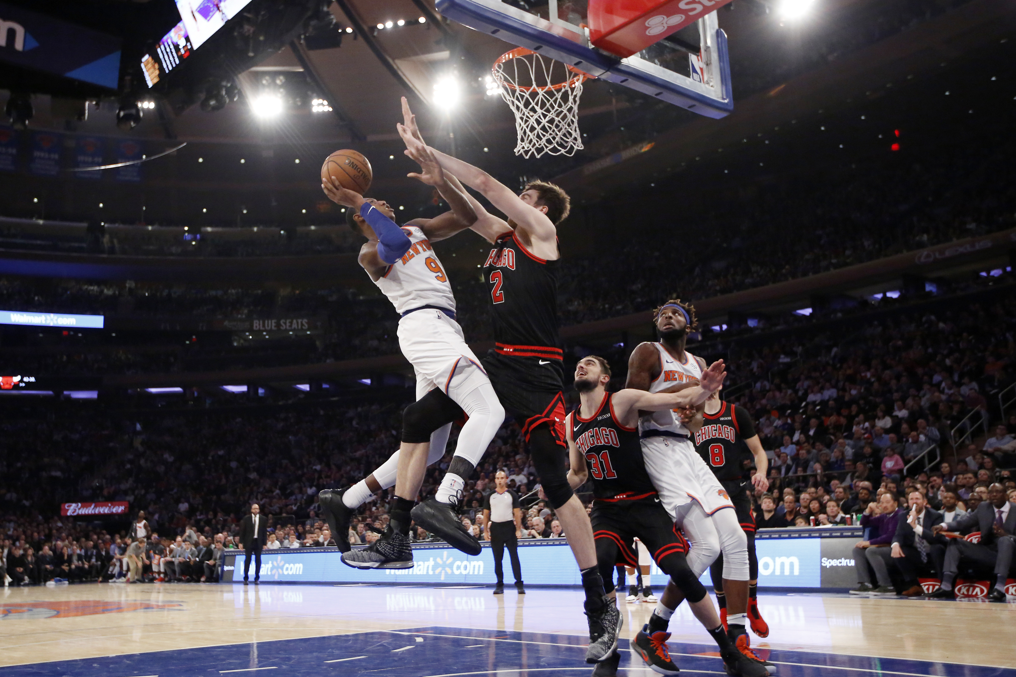 Portis rallies Knicks past Bulls 105-98 for first win