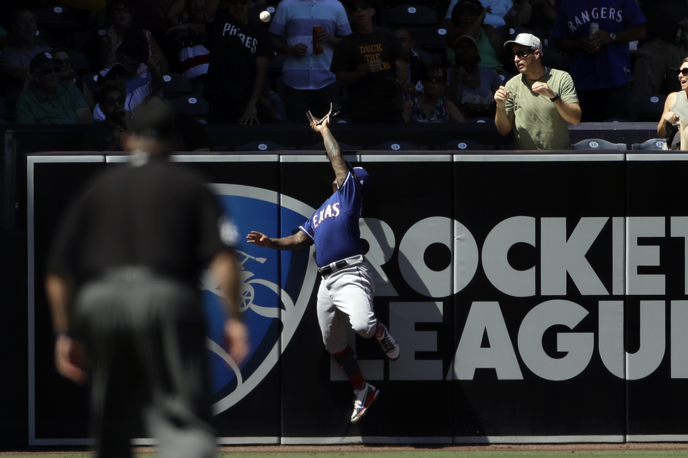 Mejia's slam lifts Padres to 7-3 win over Rangers