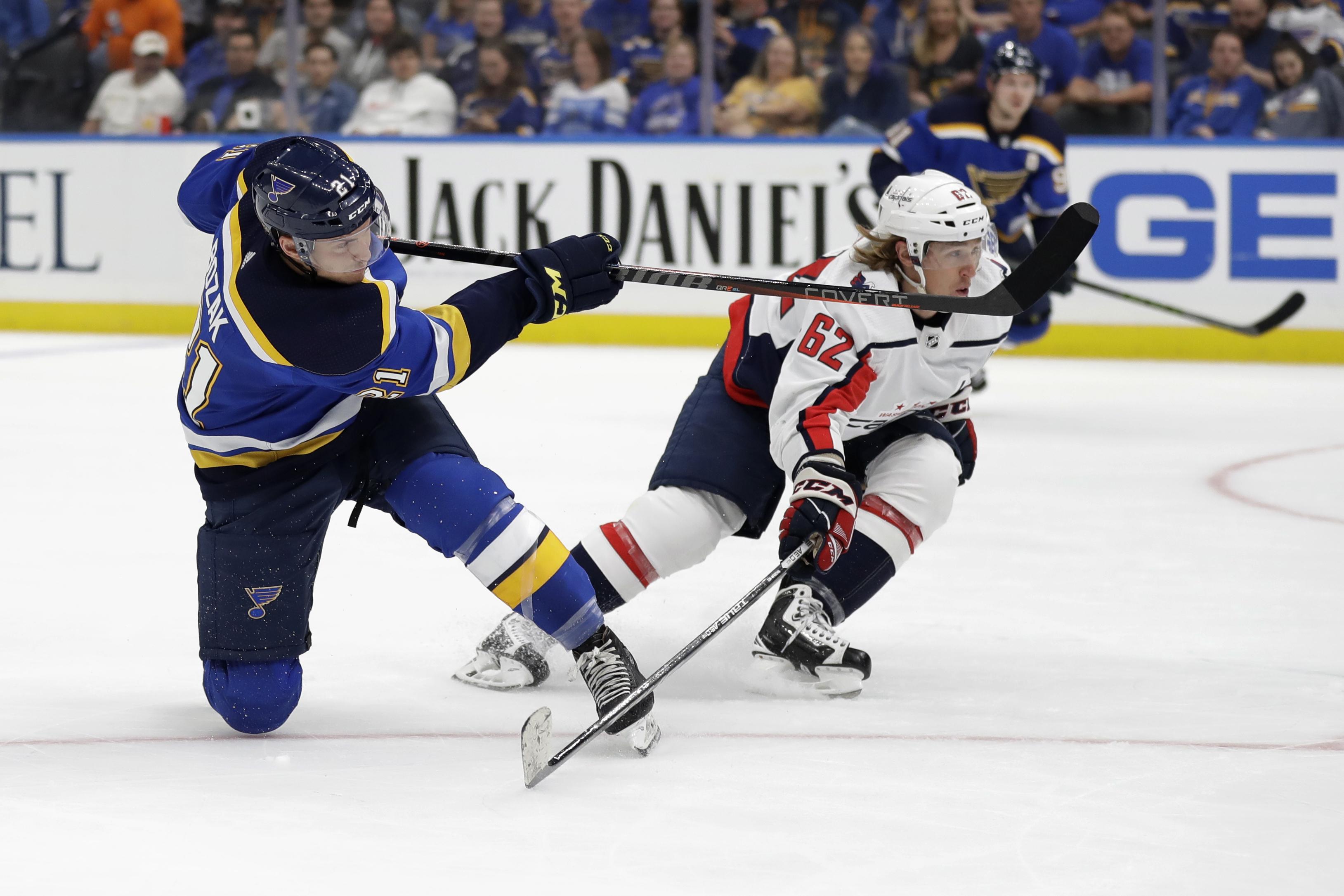 Schwartz sparks Blues in comeback win over Capitals