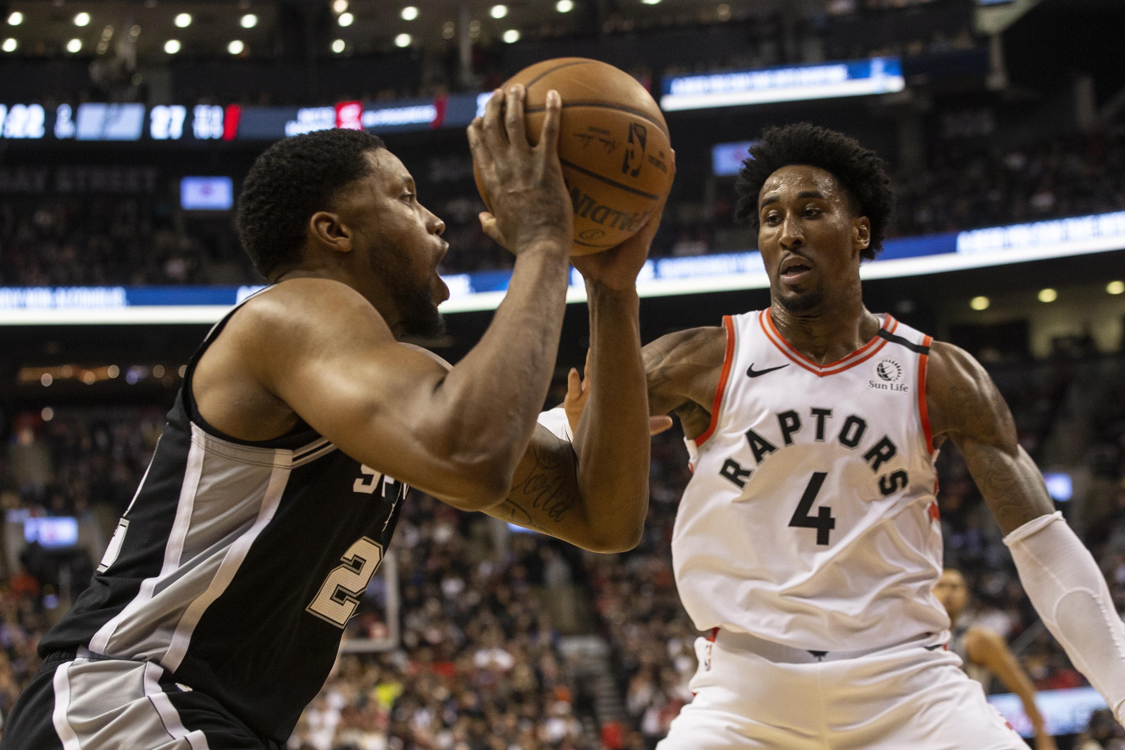DeRozan scores 25, Spurs rally from 18 down, beat Raptors