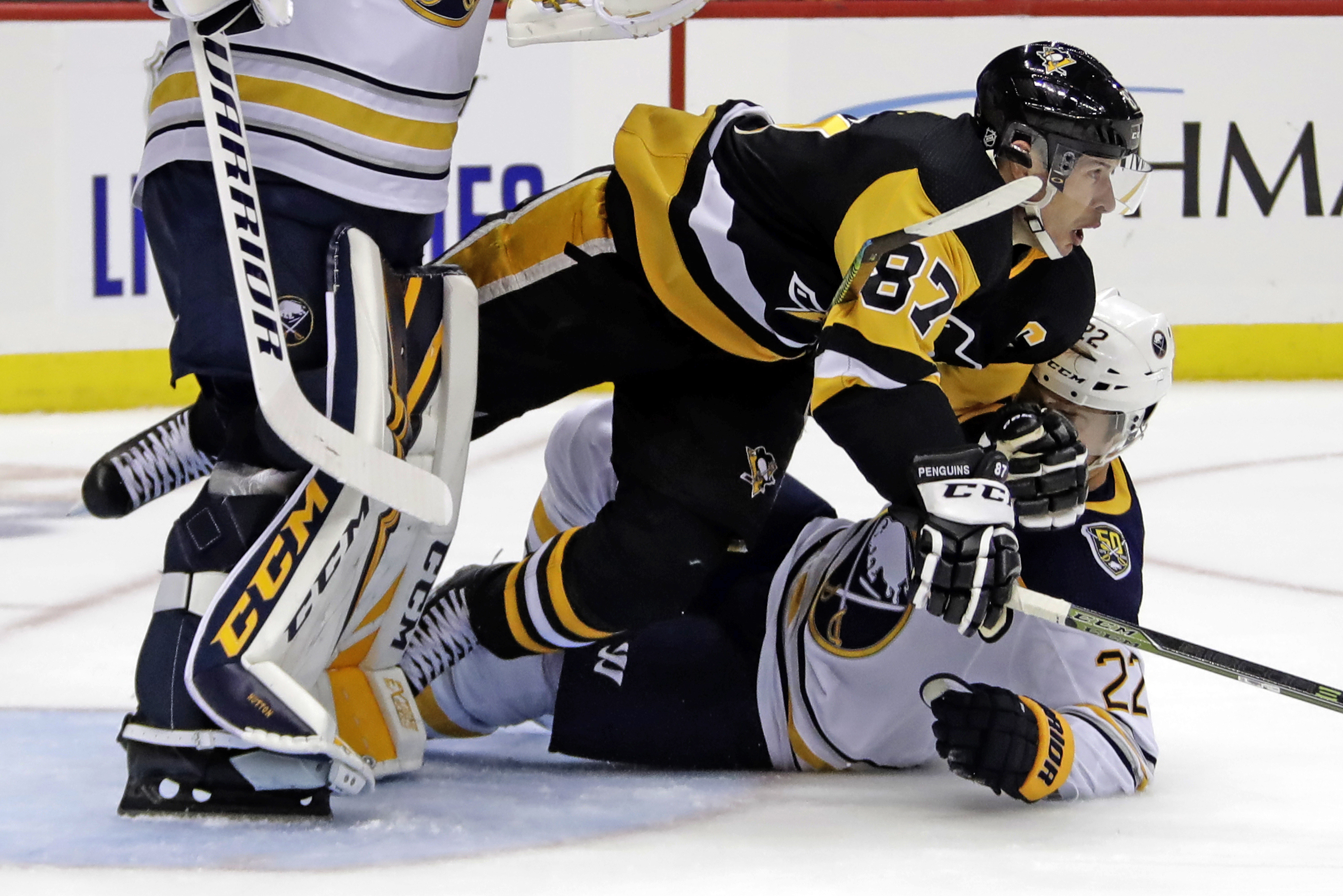 Sheary scores twice against old team, Sabres beat Penguins