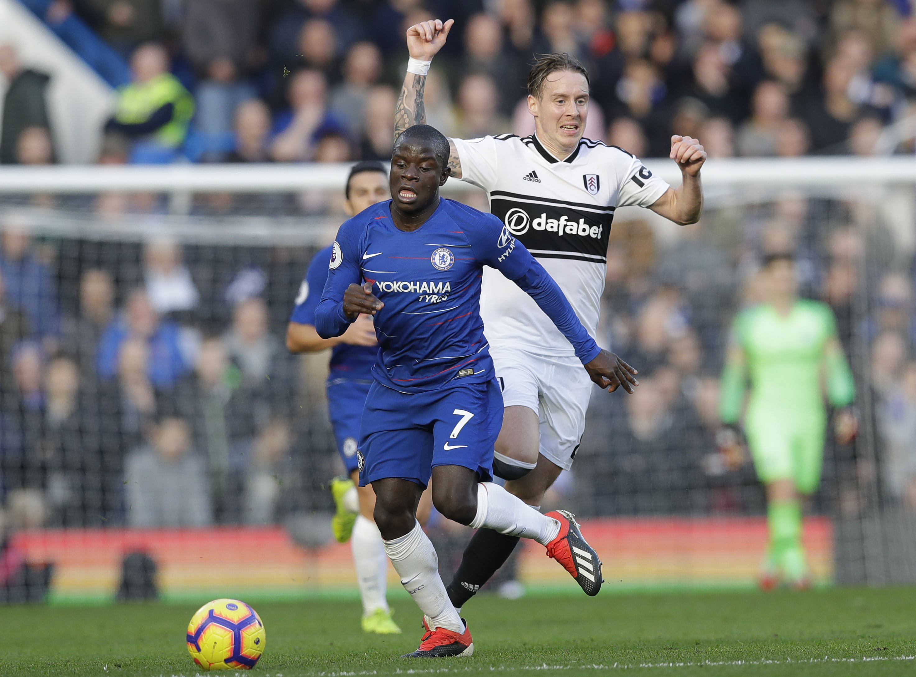 Kante shows his better side, helps Chelsea beat Fulham 2-0