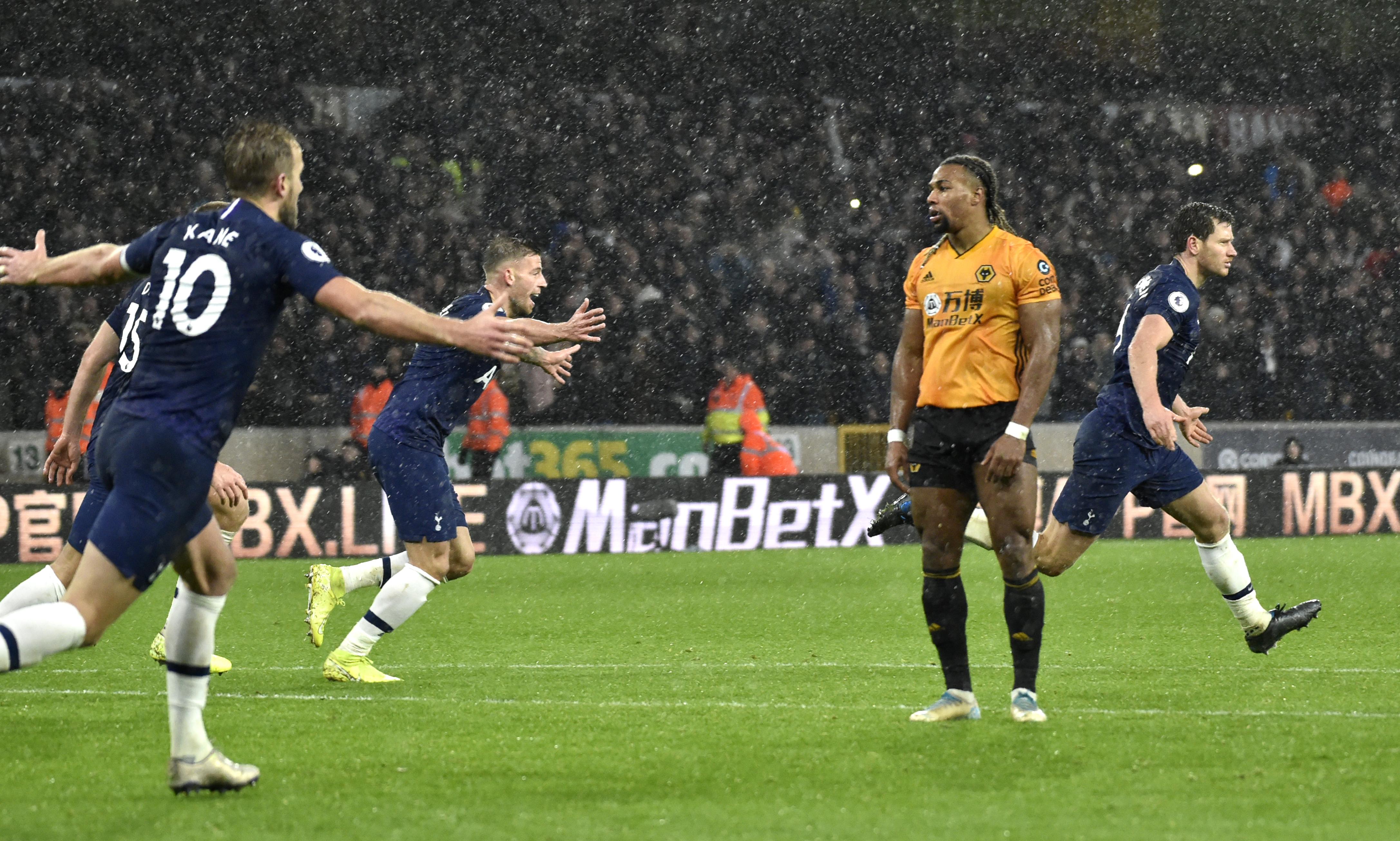 Vertonghen heads Tottenham to 2-1 win at Wolves