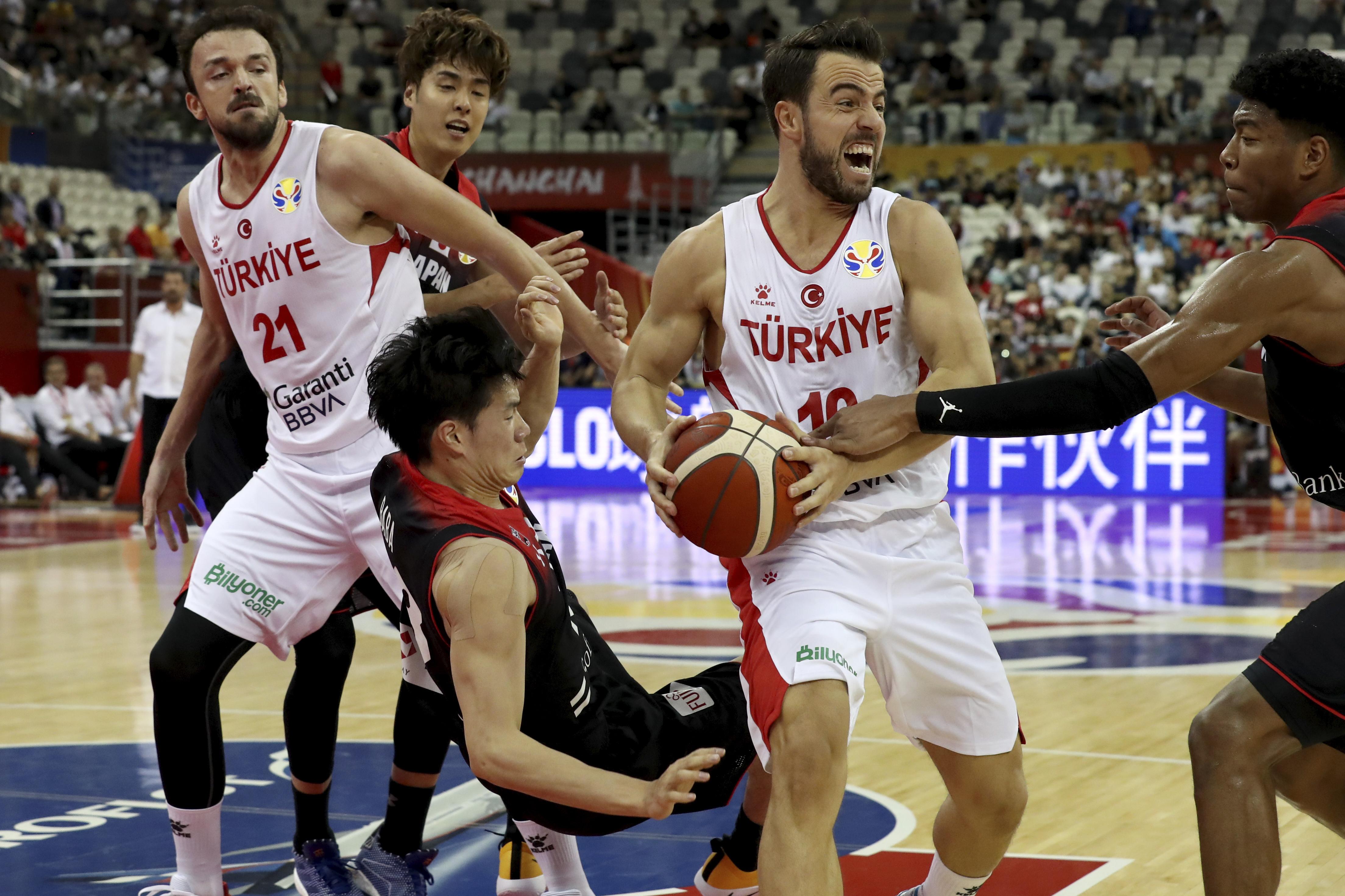 NBA MVP Antetokounmpo, Greece open World Cup with easy win