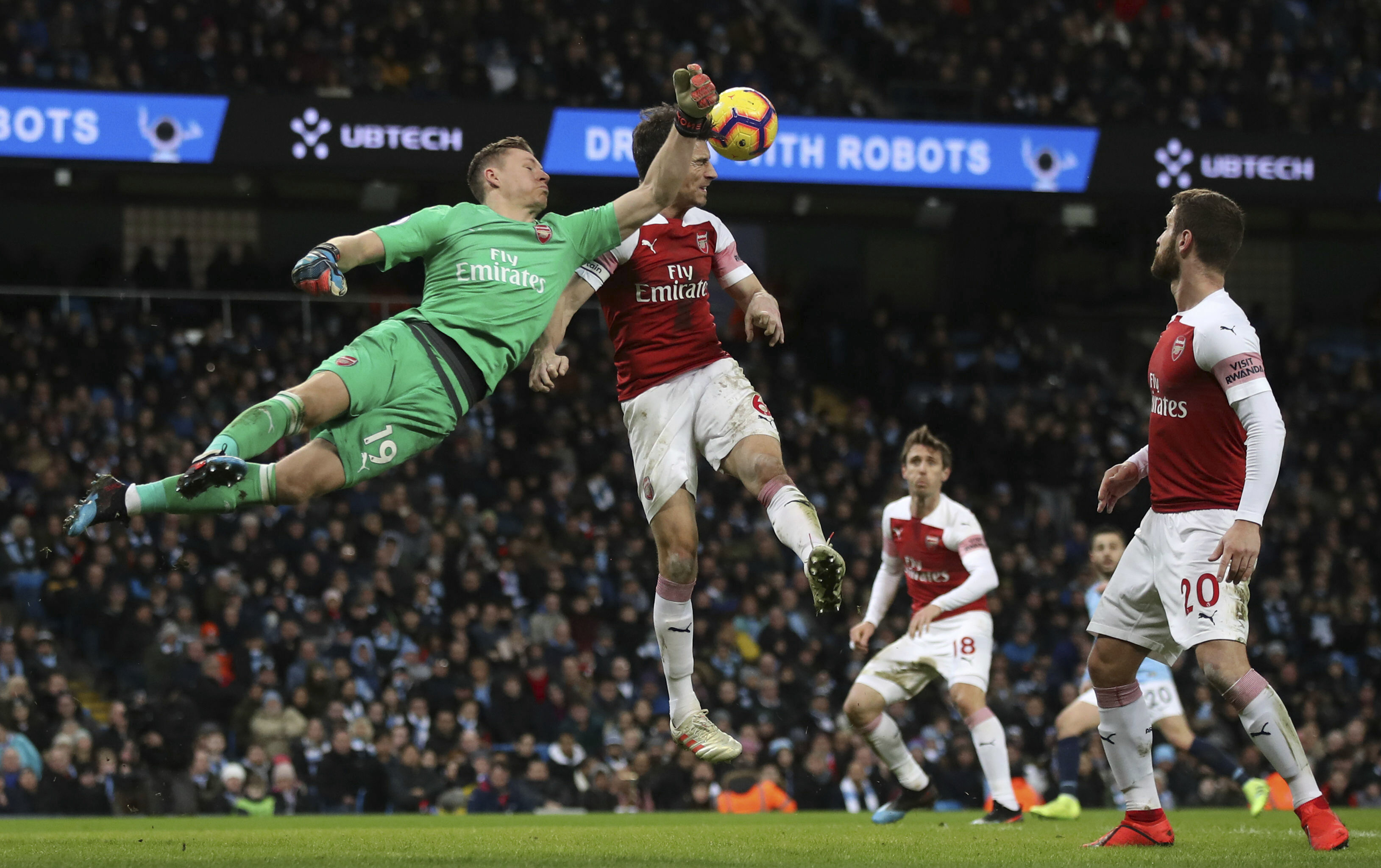 Aguero hat trick leads Man City to 3-1 victory over Arsenal