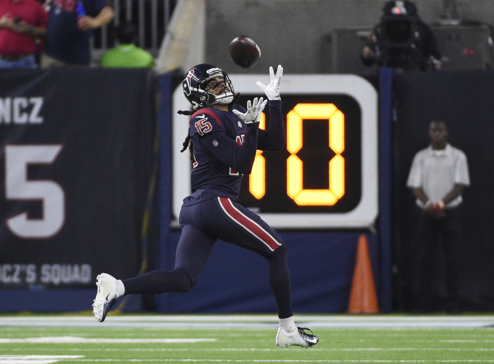 Texans' Will Fuller out for season with torn knee ligament