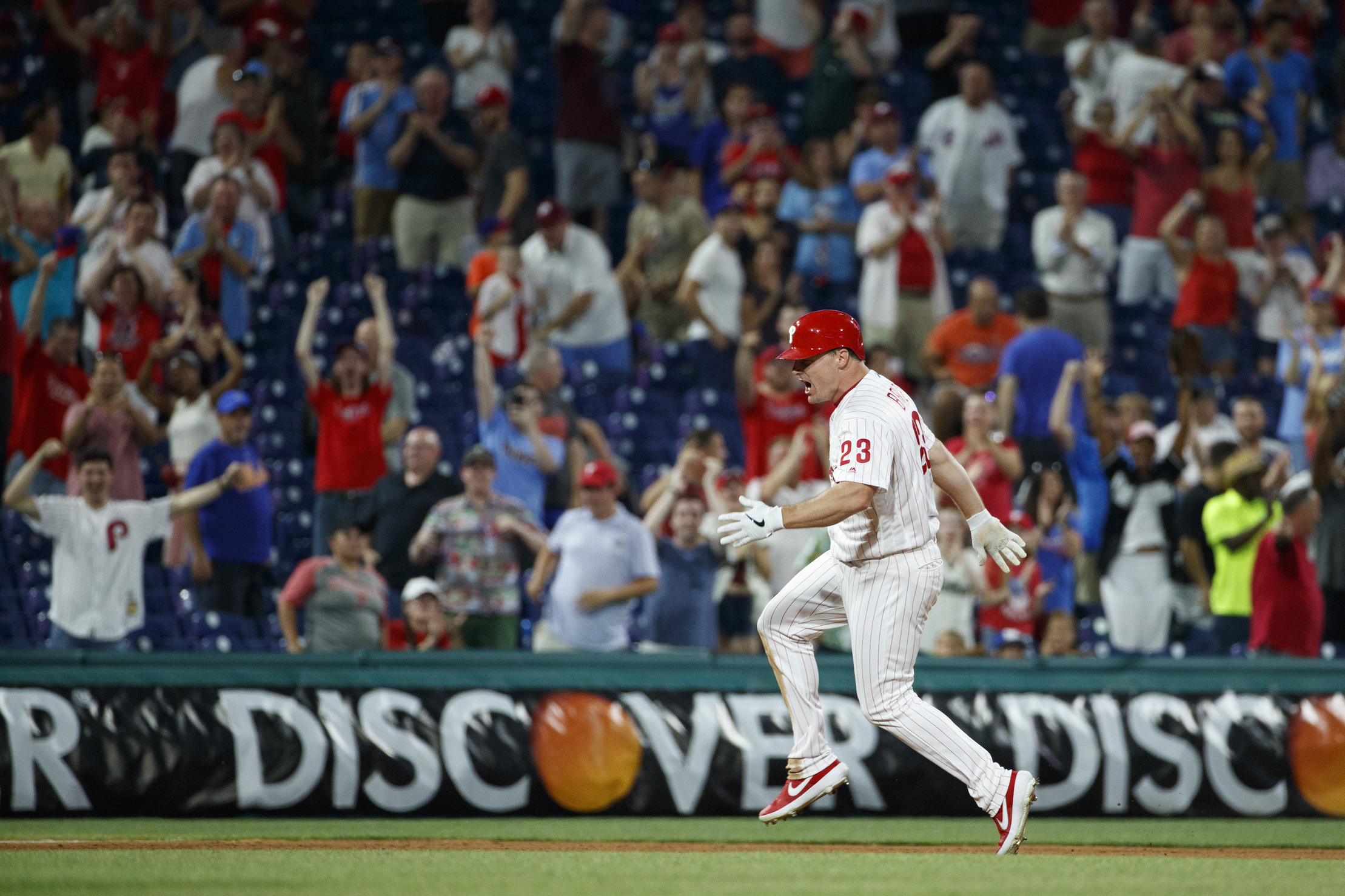 Bruce's double vs old team lifts Phils over Mets 5-4 in 10