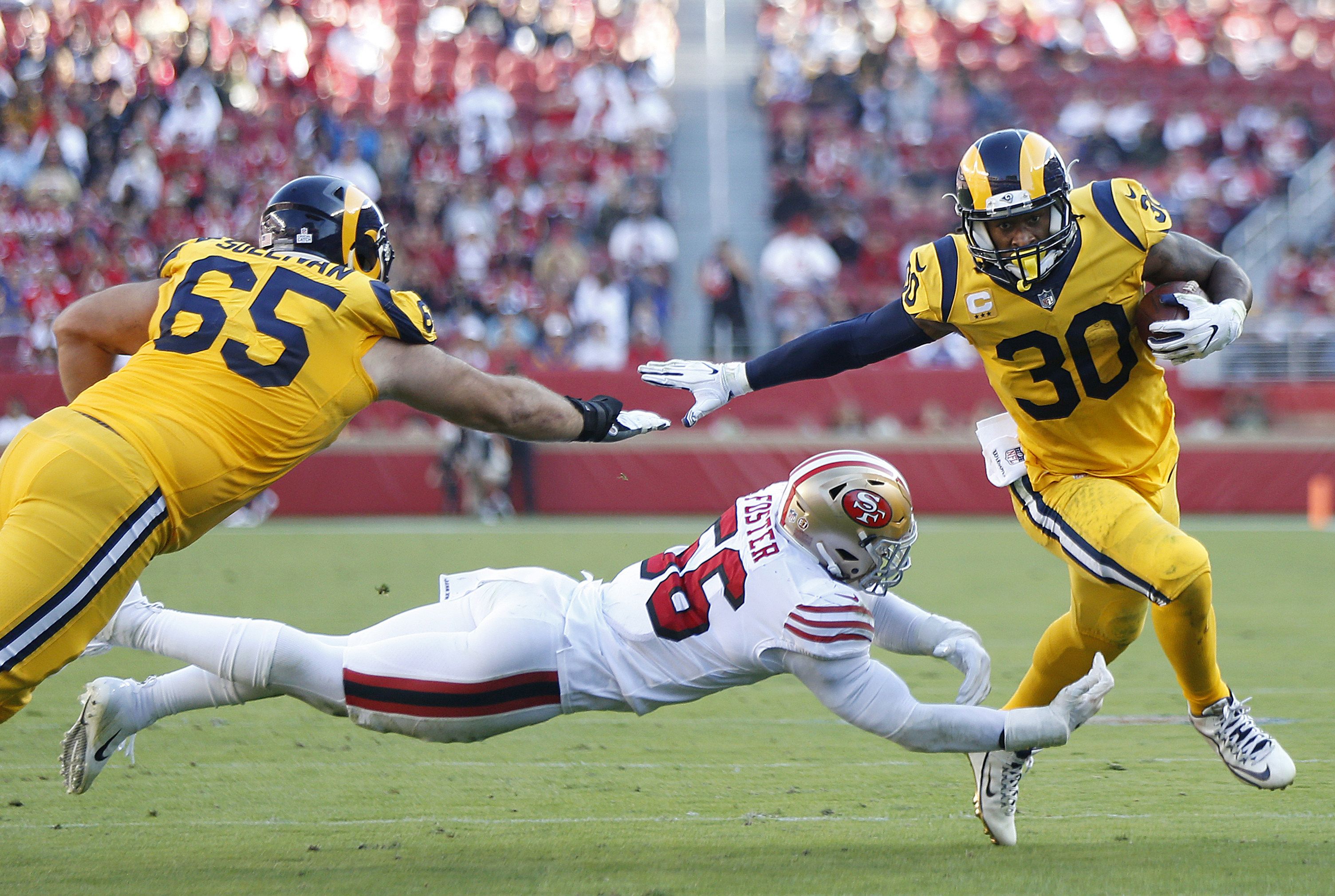 LB Reuben Foster struggles in year 2 for 49ers