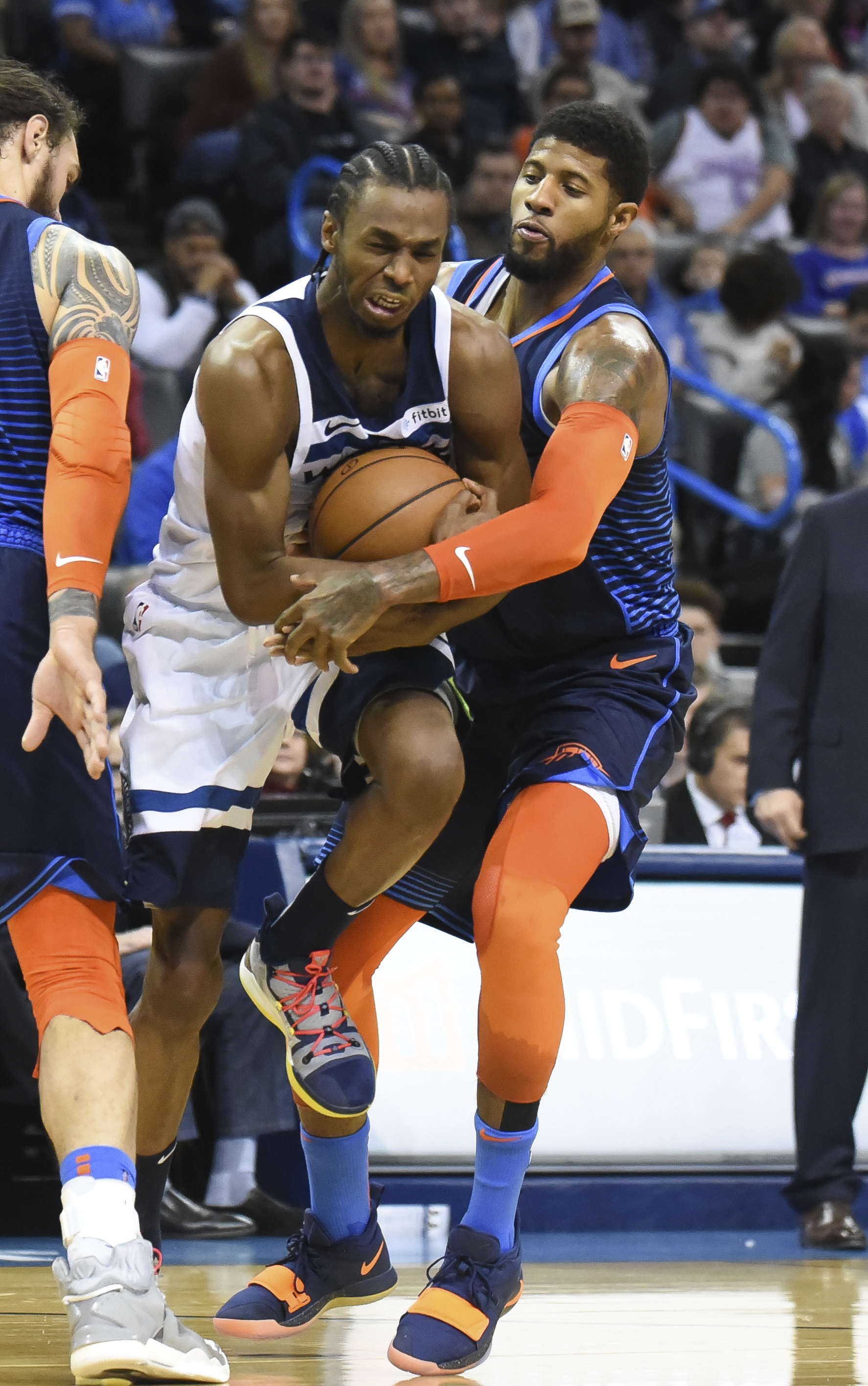 Wiggins scores 30, leads Timberwolves past Thunder 114-112