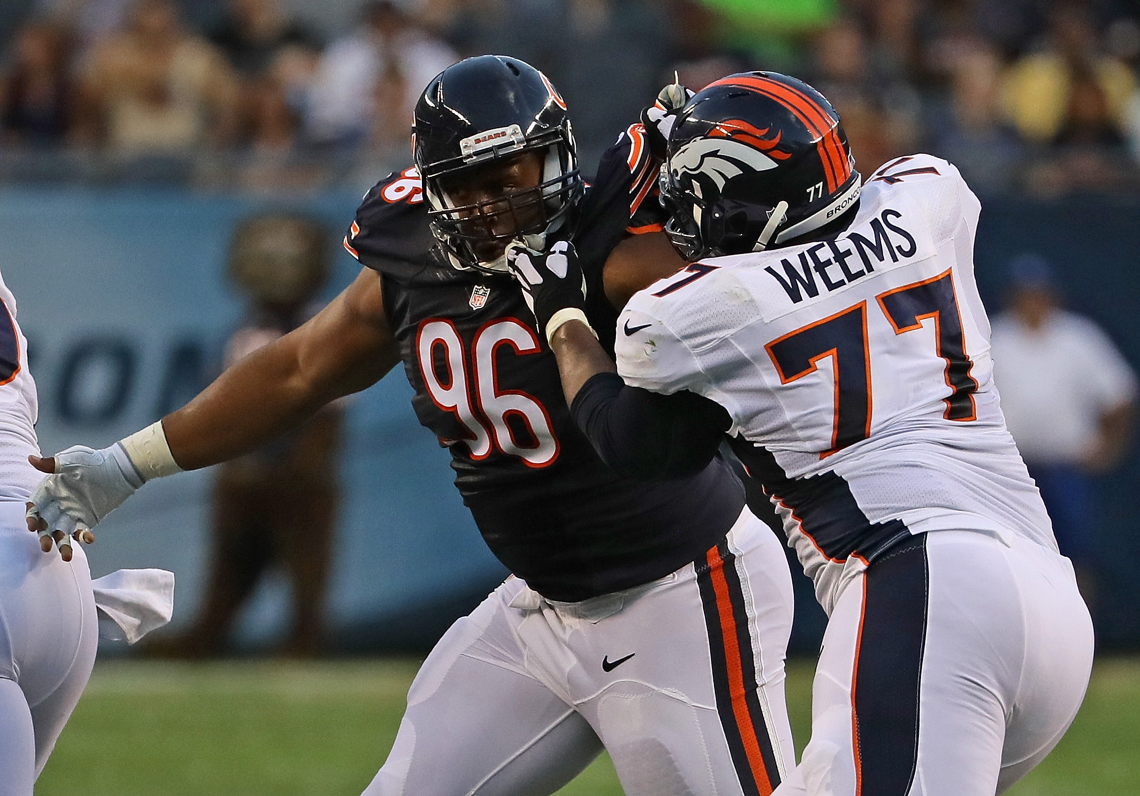 Chicago Bears: Akiem Hicks deserving of a new contract