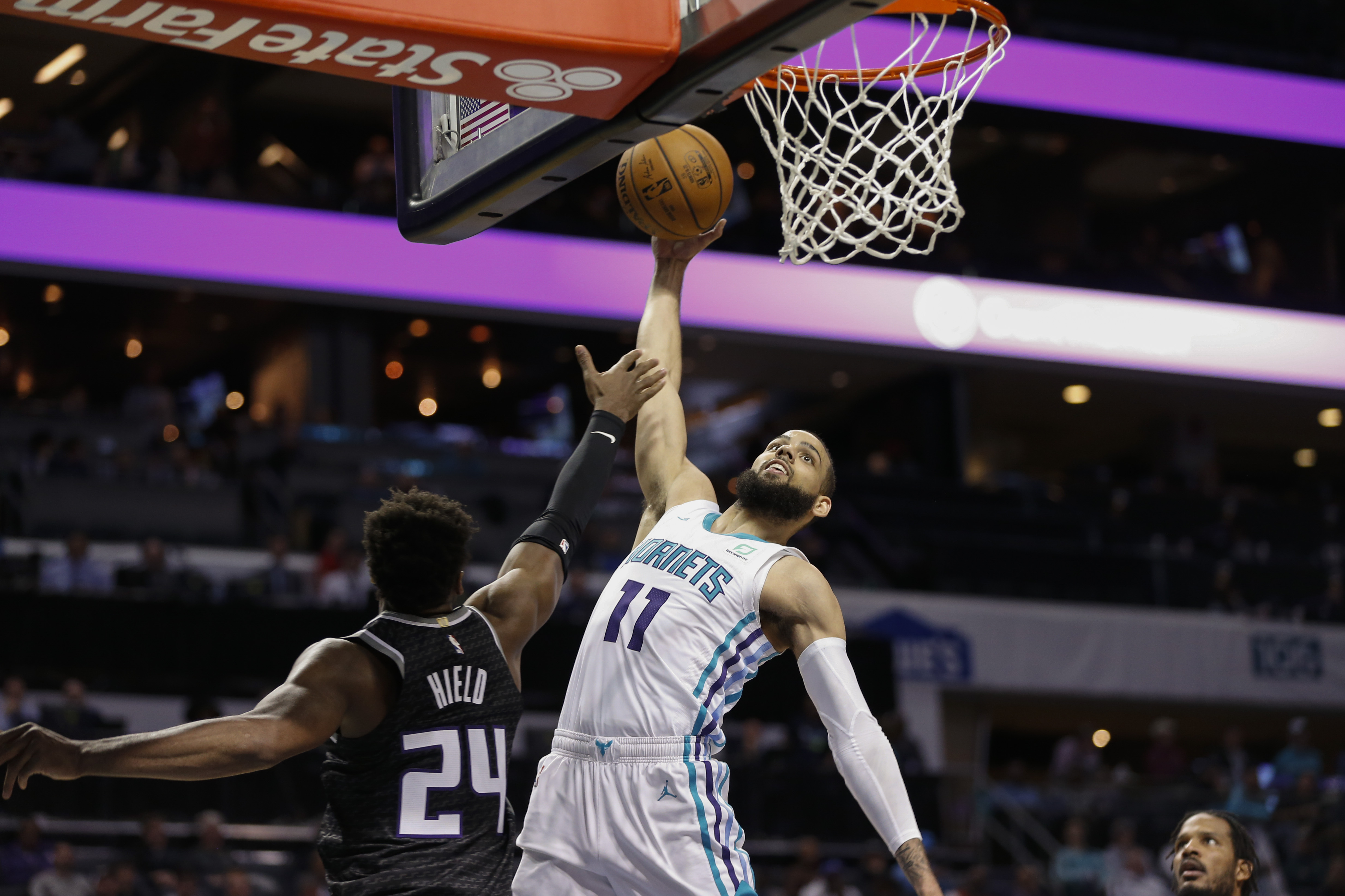 Monk's big 4th quarter lifts Hornets over Kings 110-102