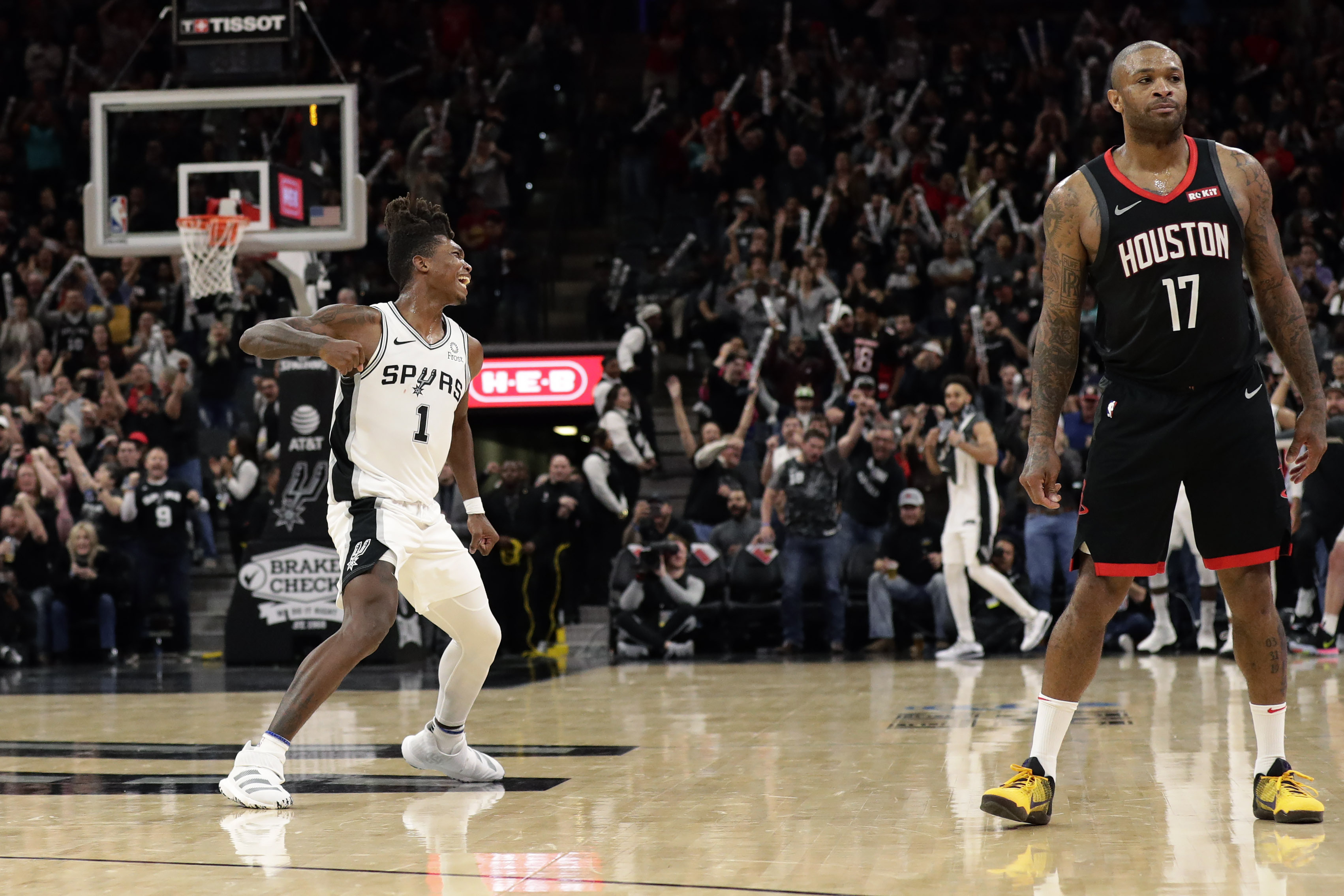 Spurs rally for 2OT win after Harden's disputed non-dunk