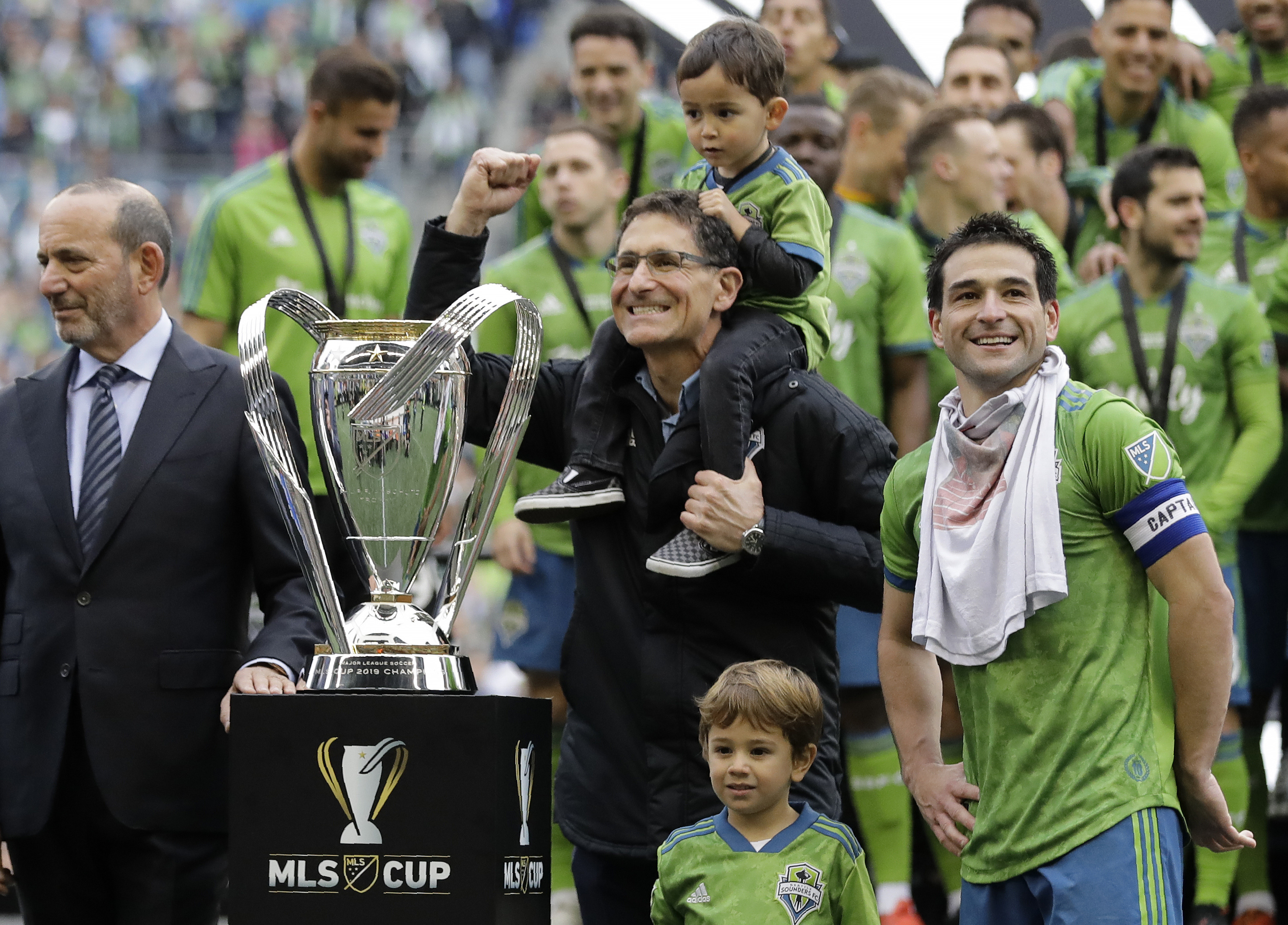 Seattle puts stamp on its first 10 years with 2nd MLS title