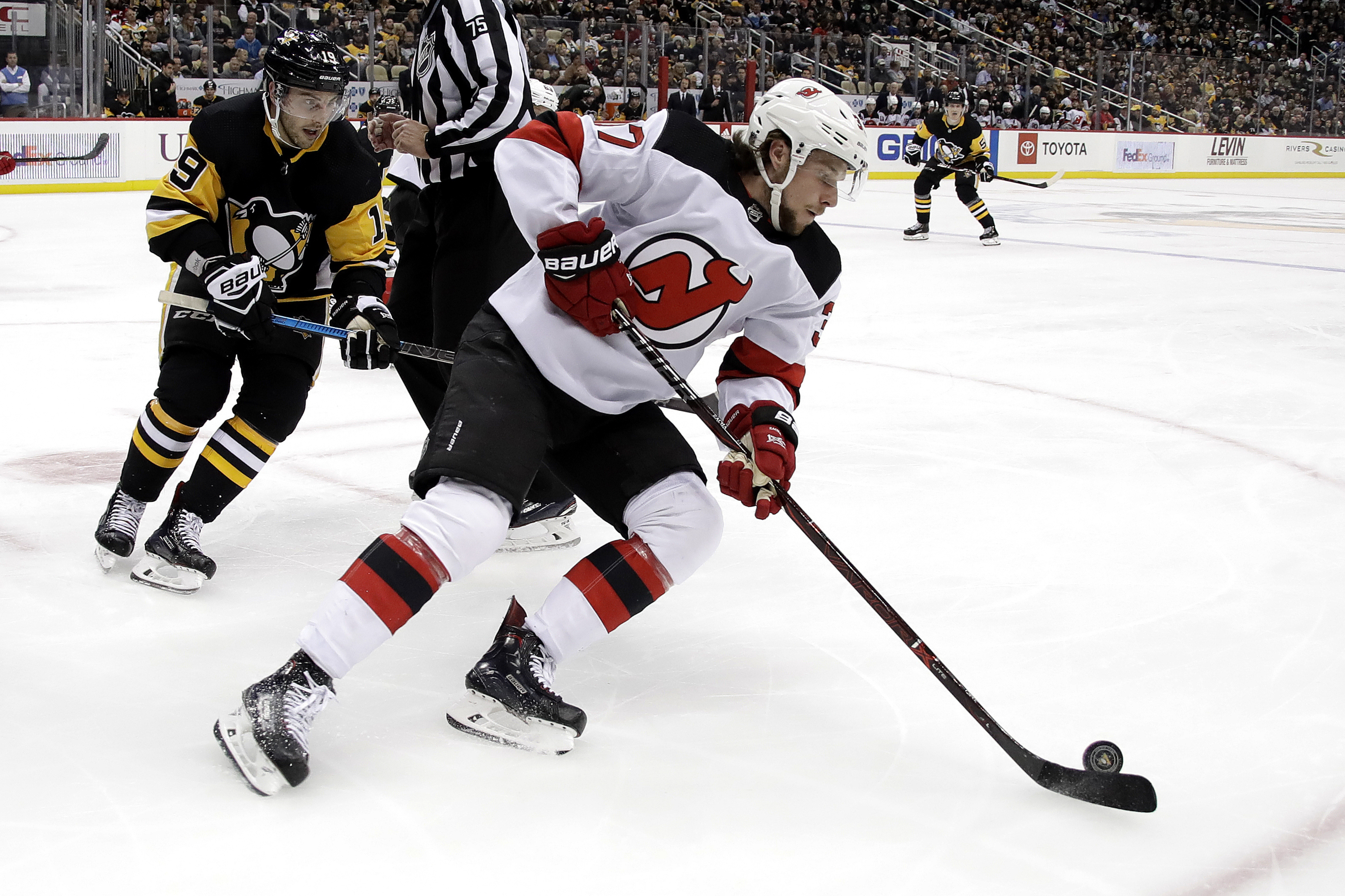 Devils GM doesn't care if Zacha considers signing with KHL