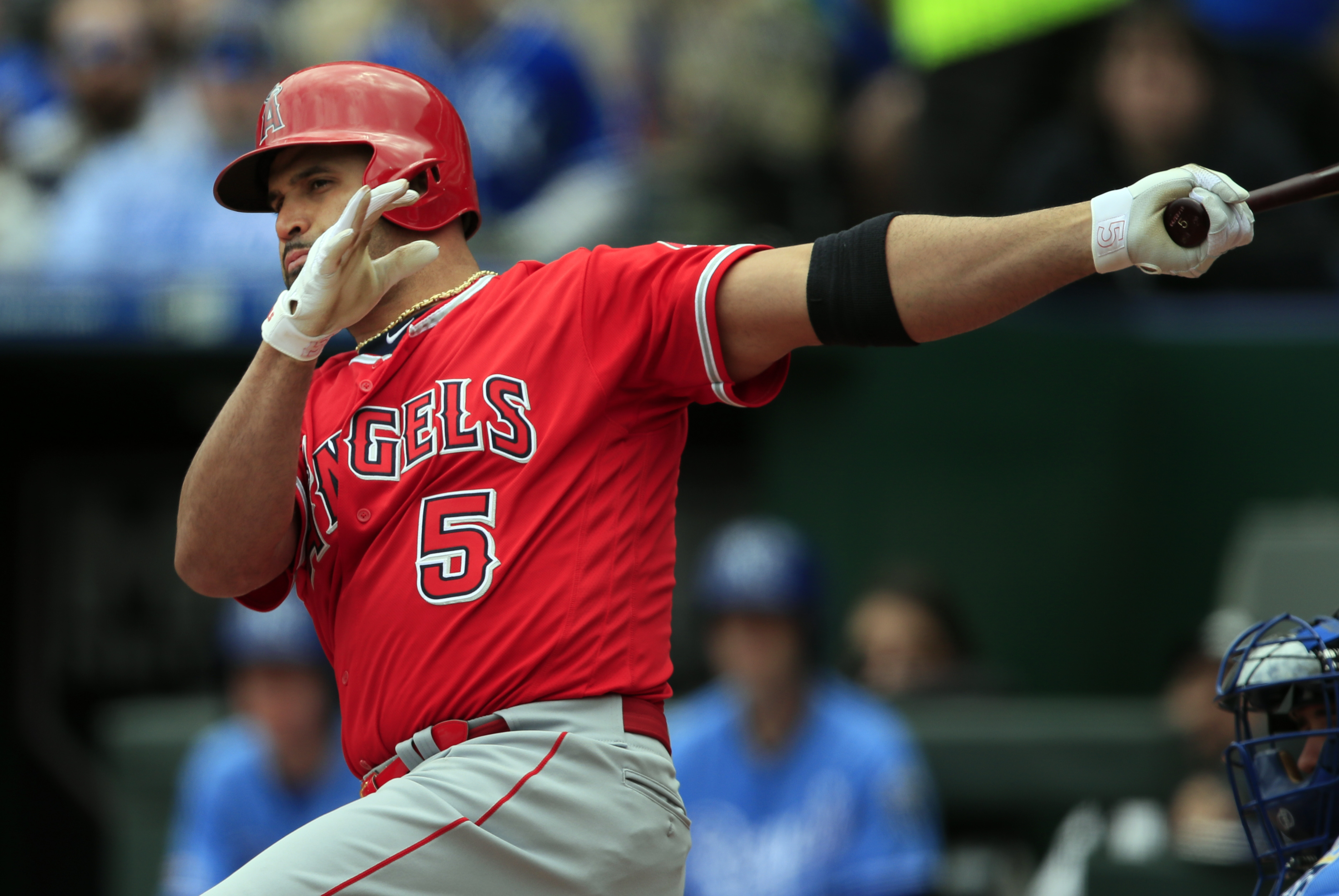 Pujols passes Bonds for 3rd in RBIs as Angels top Royals 7-3