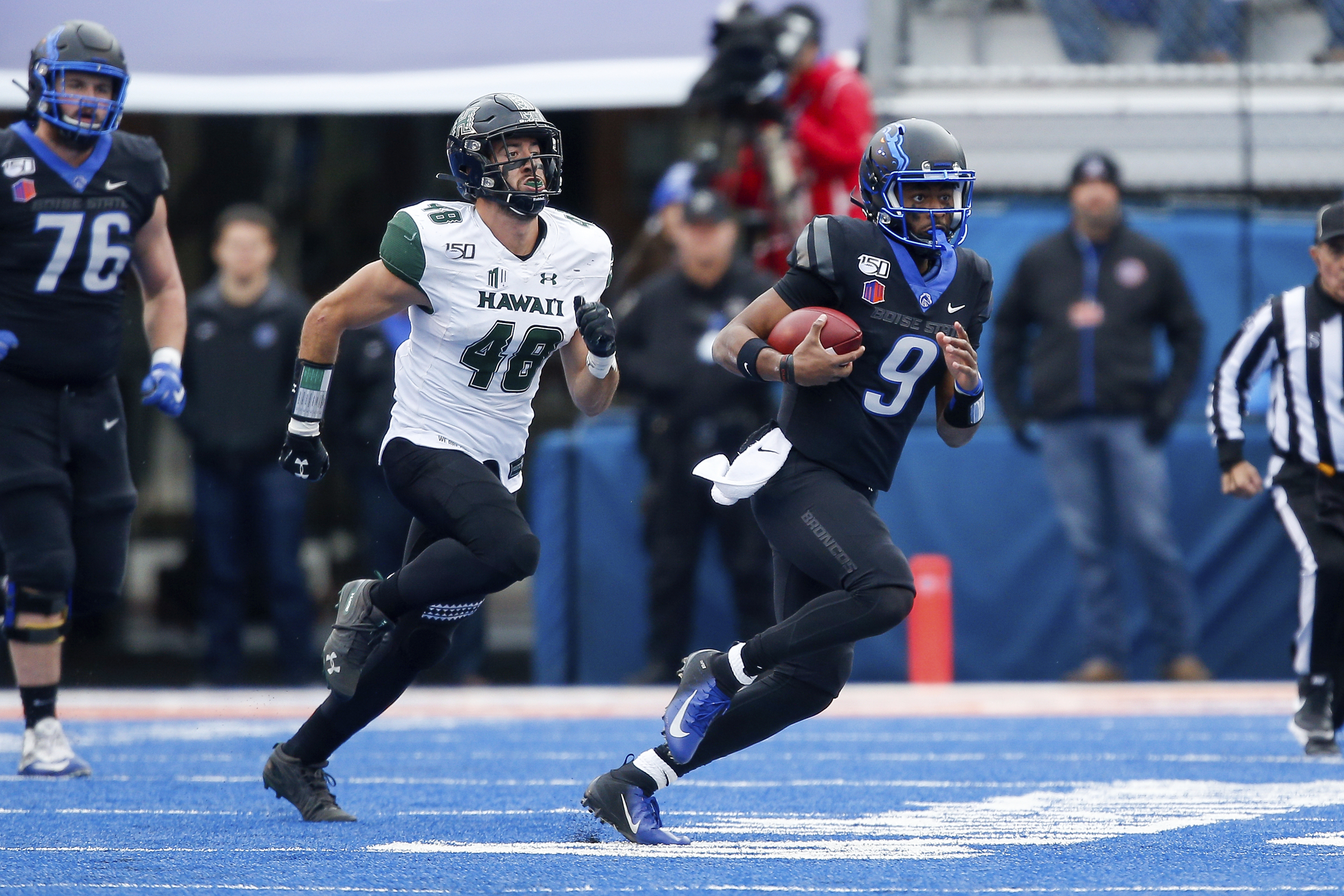 No. 18 Boise State meets Washington in Las Vegas Bowl