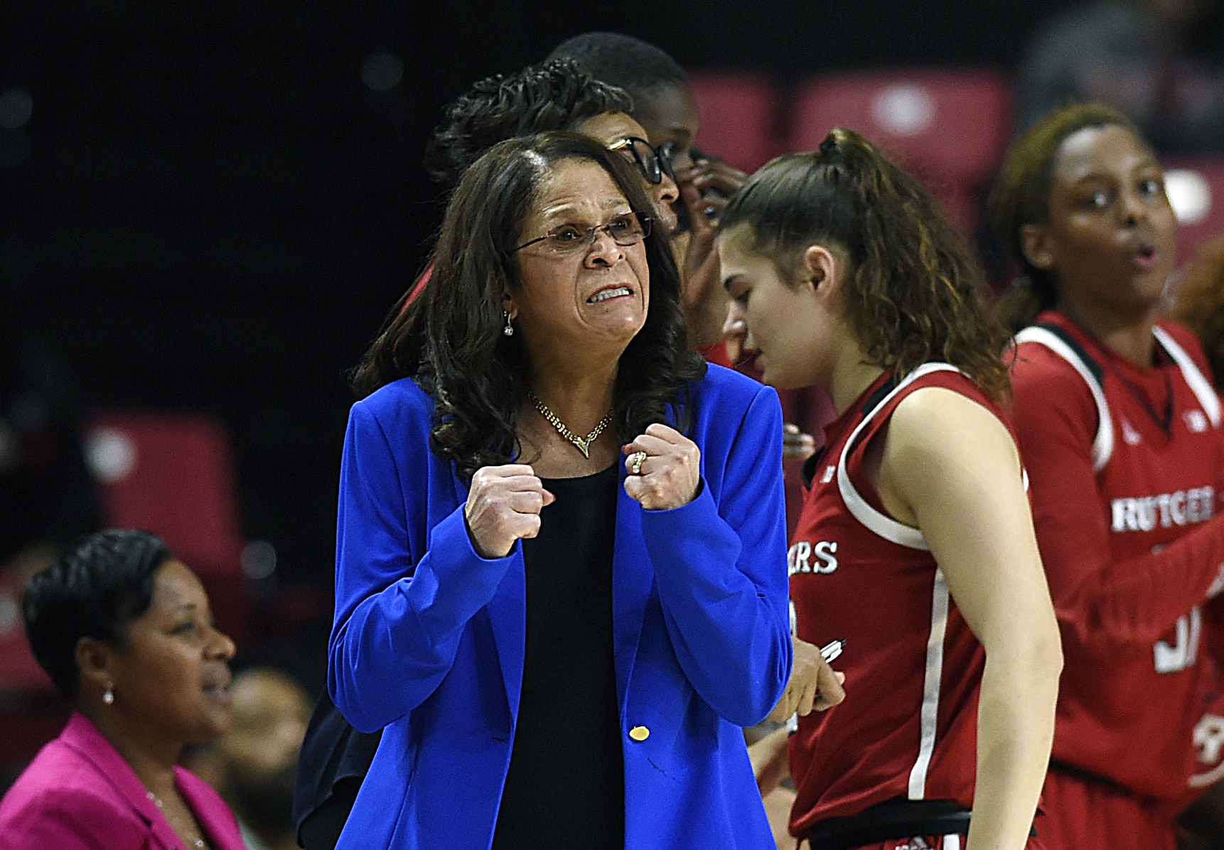 Hall of Fame coaches Stringer and Auriemma miss games