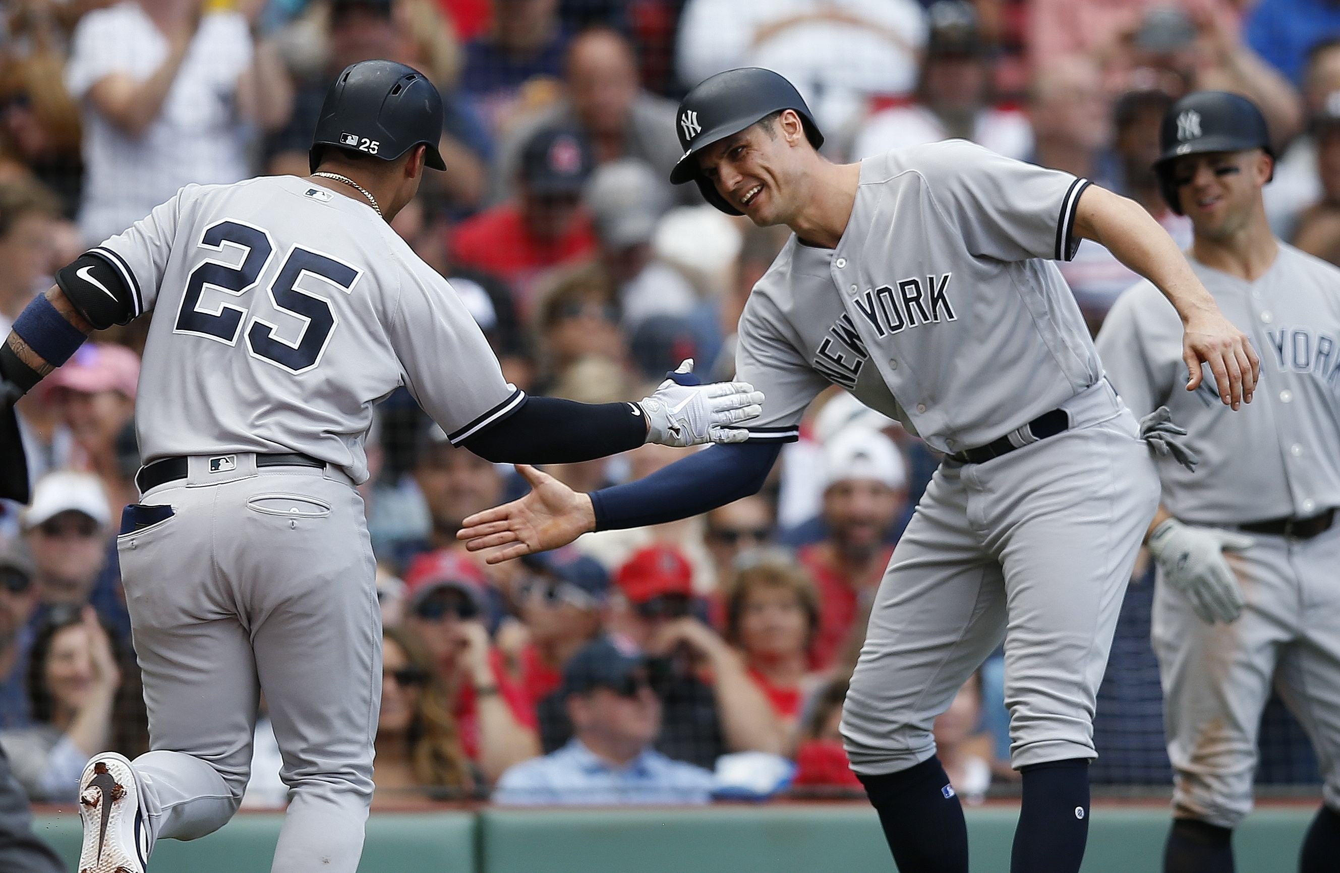 Torres hits Yankees' 265th homer, breaking record vs Red Sox