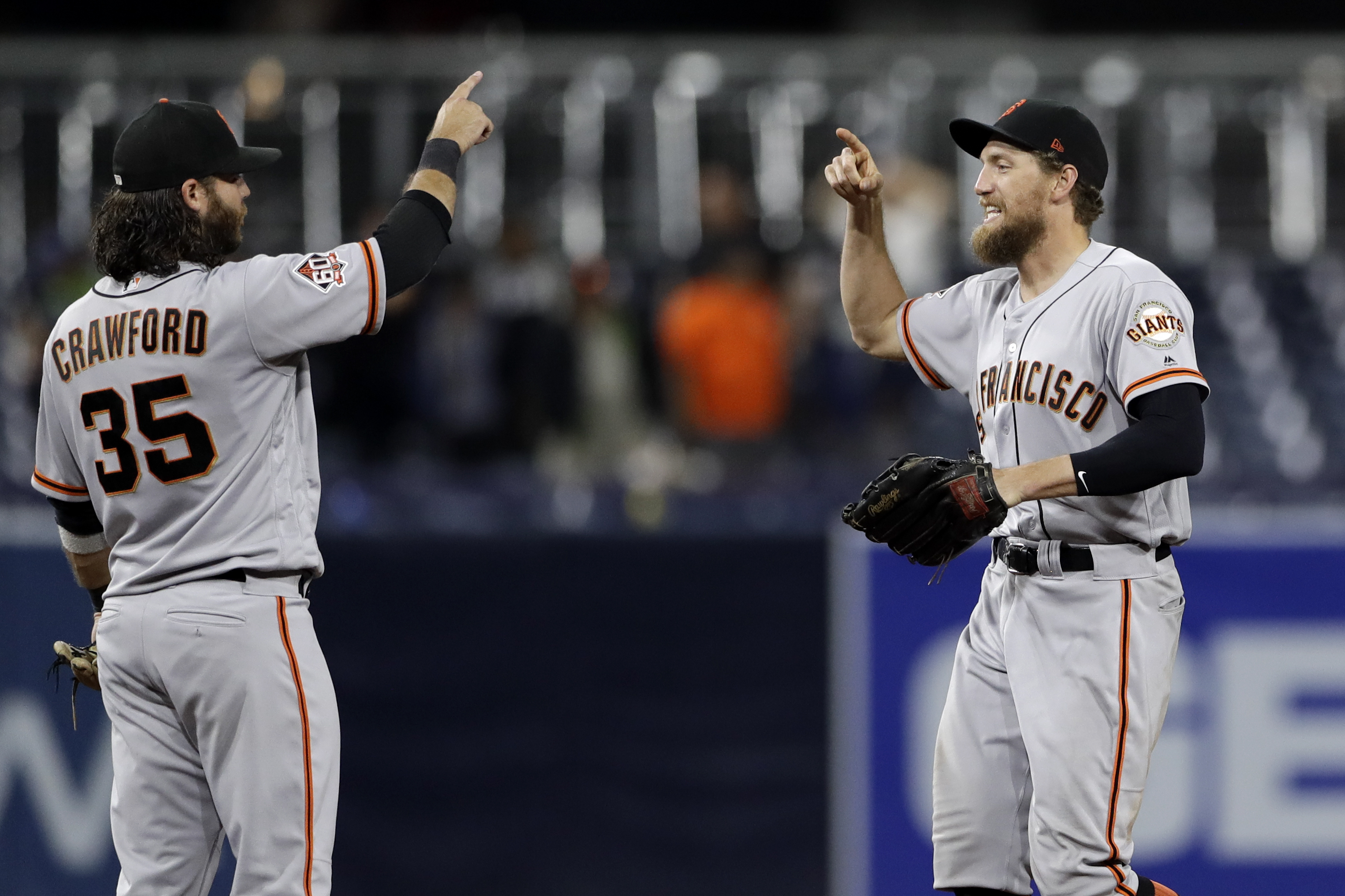 Shaw's 2-run single lifts Giants over last-place Padres, 5-4