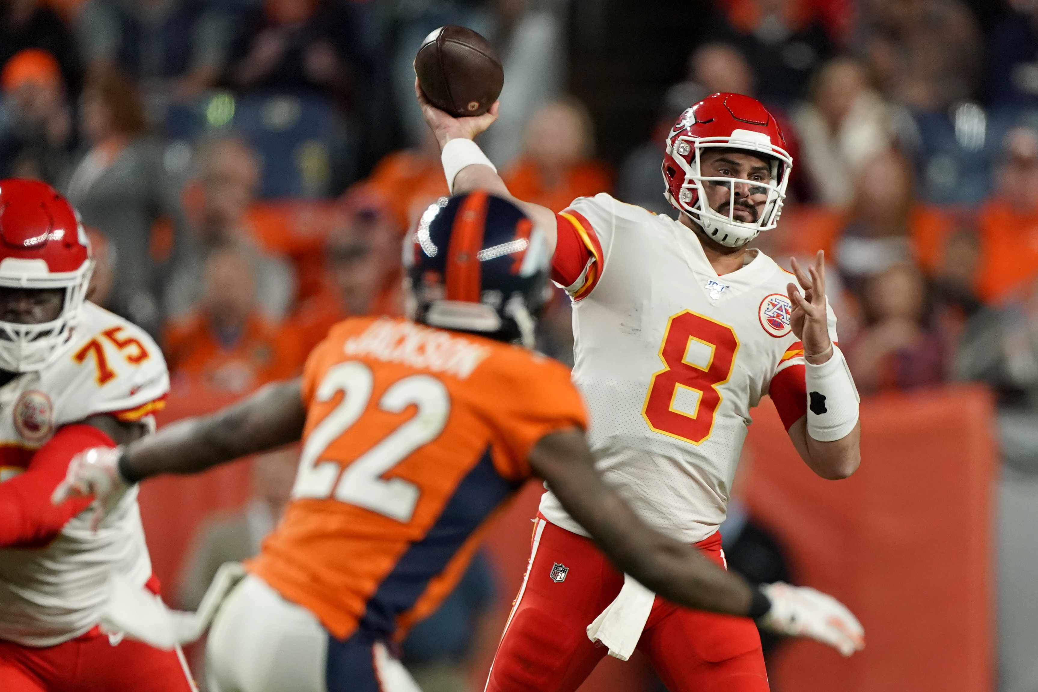 Chiefs move on with Moore while Mahomes rehabs injury