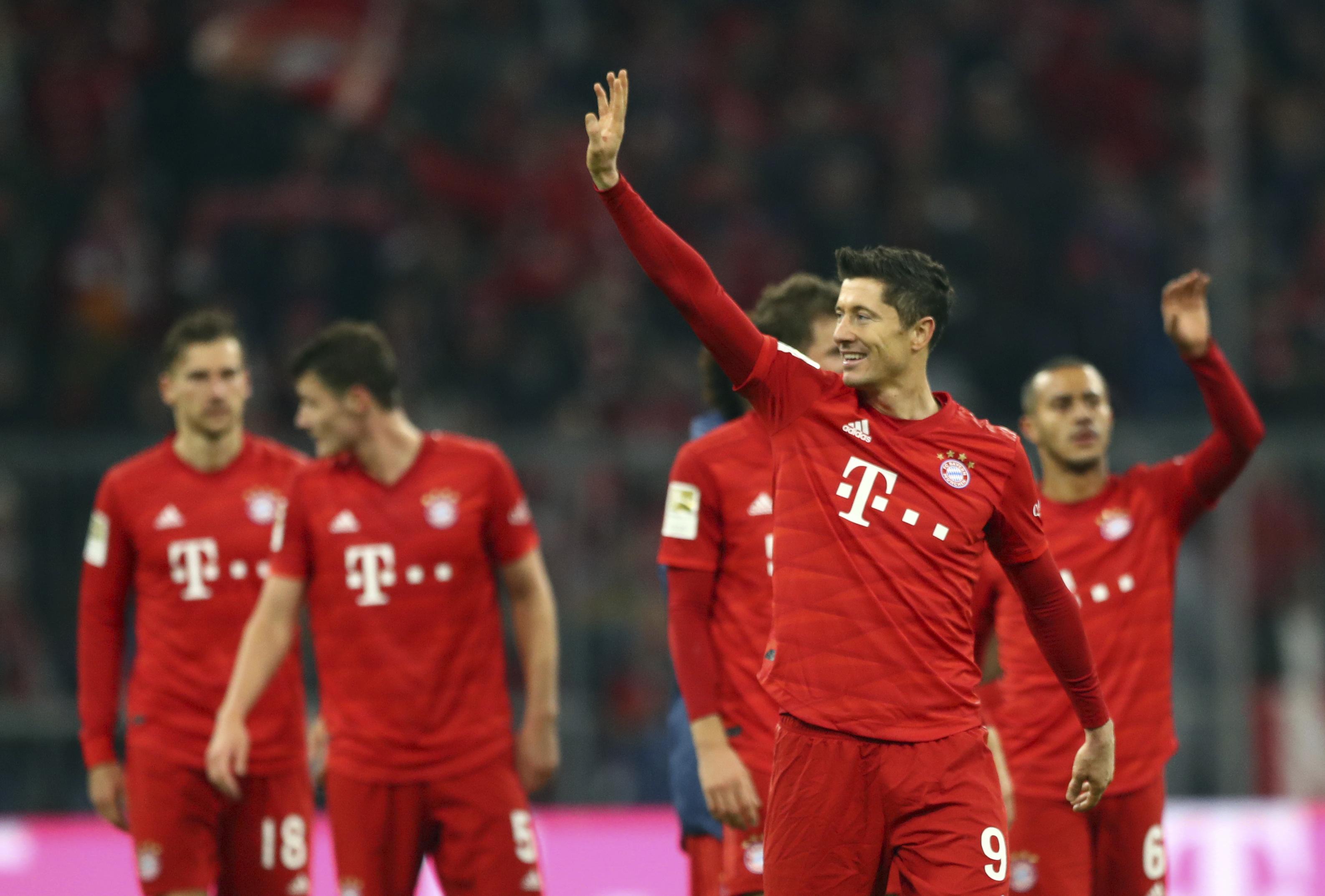 Lewandowski grabs 2 as Bayern crushes Dortmund 4-0