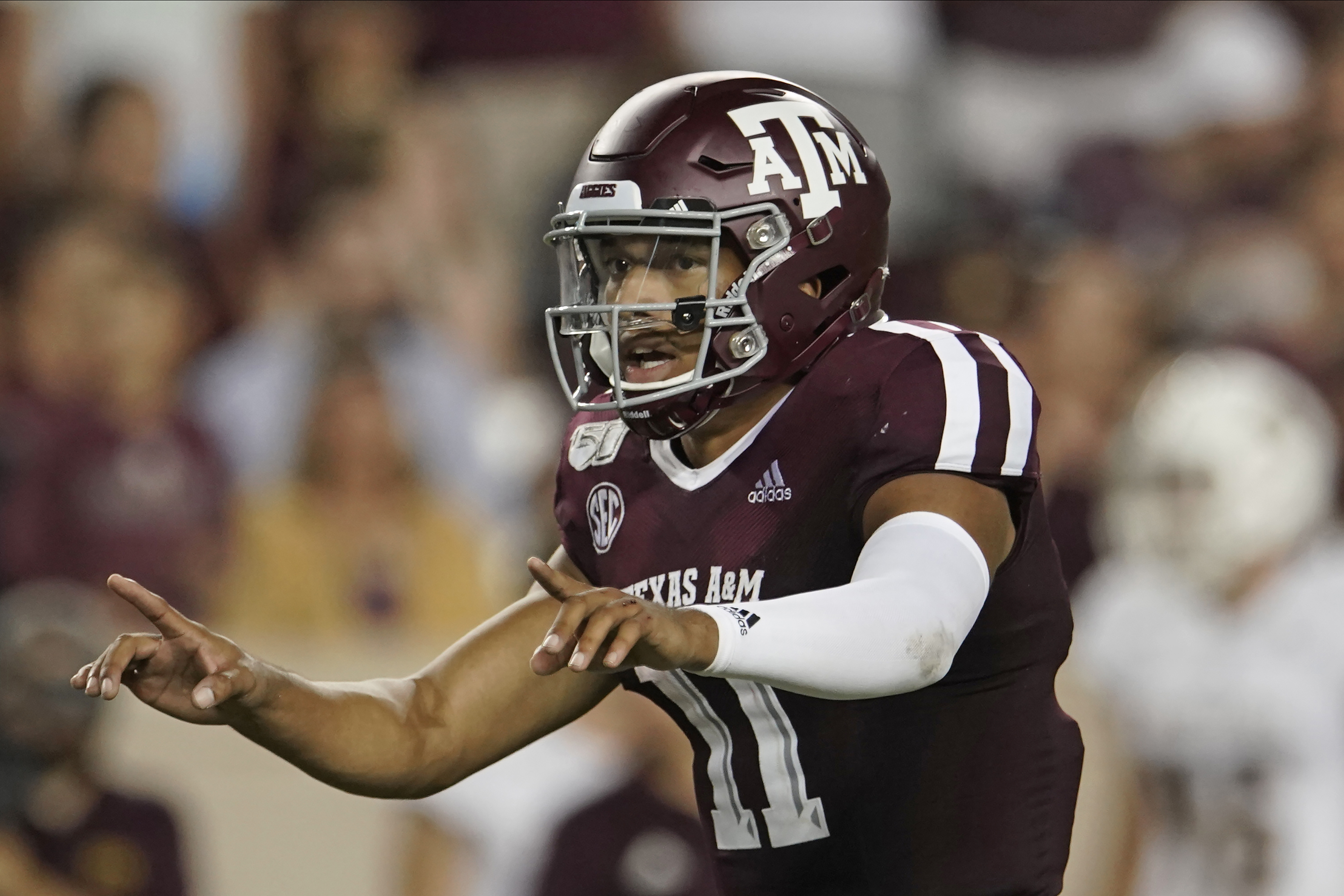 After loss last year, Mond looks to lead A&M over Clemson