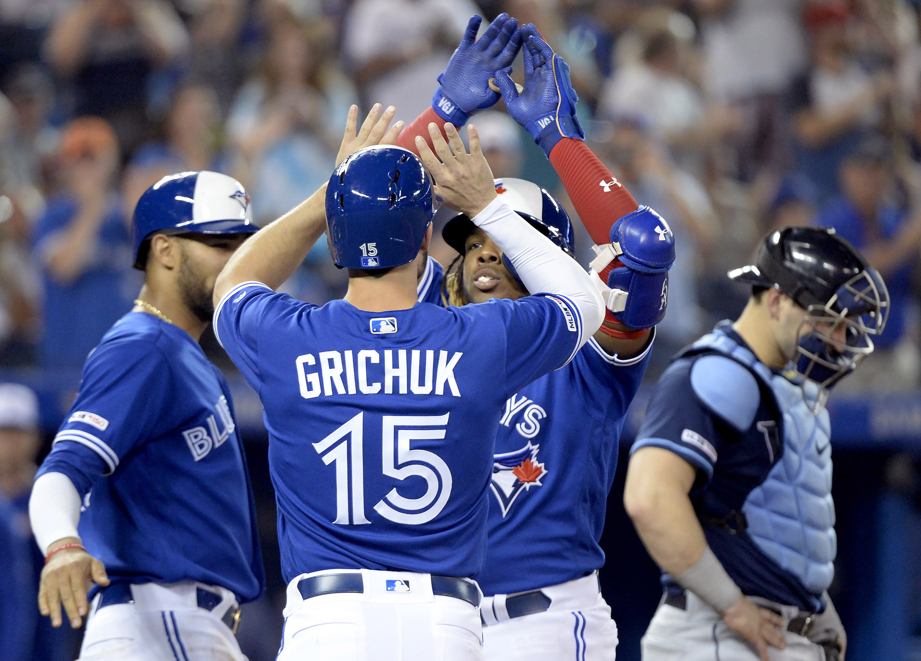 Hernandez hits HR in 12th, Blue Jays rally past Rays 10-9