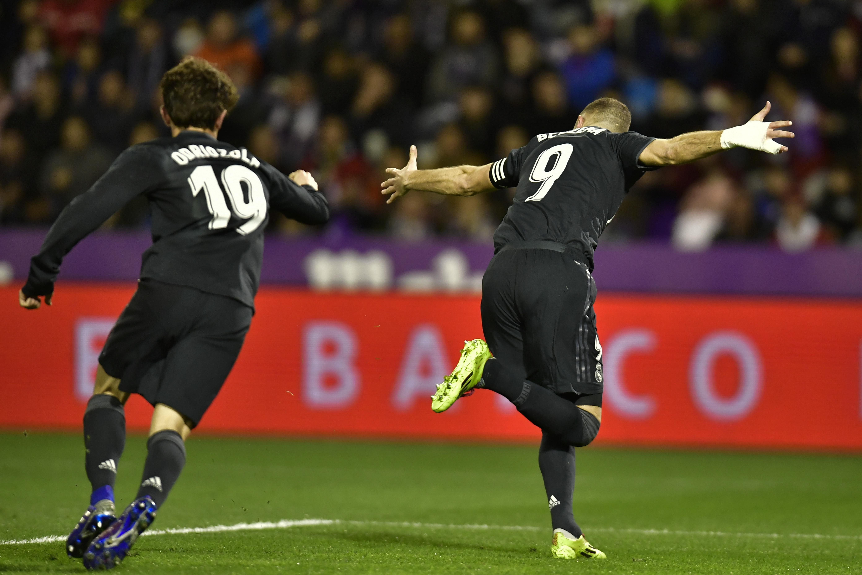Late goal gives 10-man Valencia win over Girona