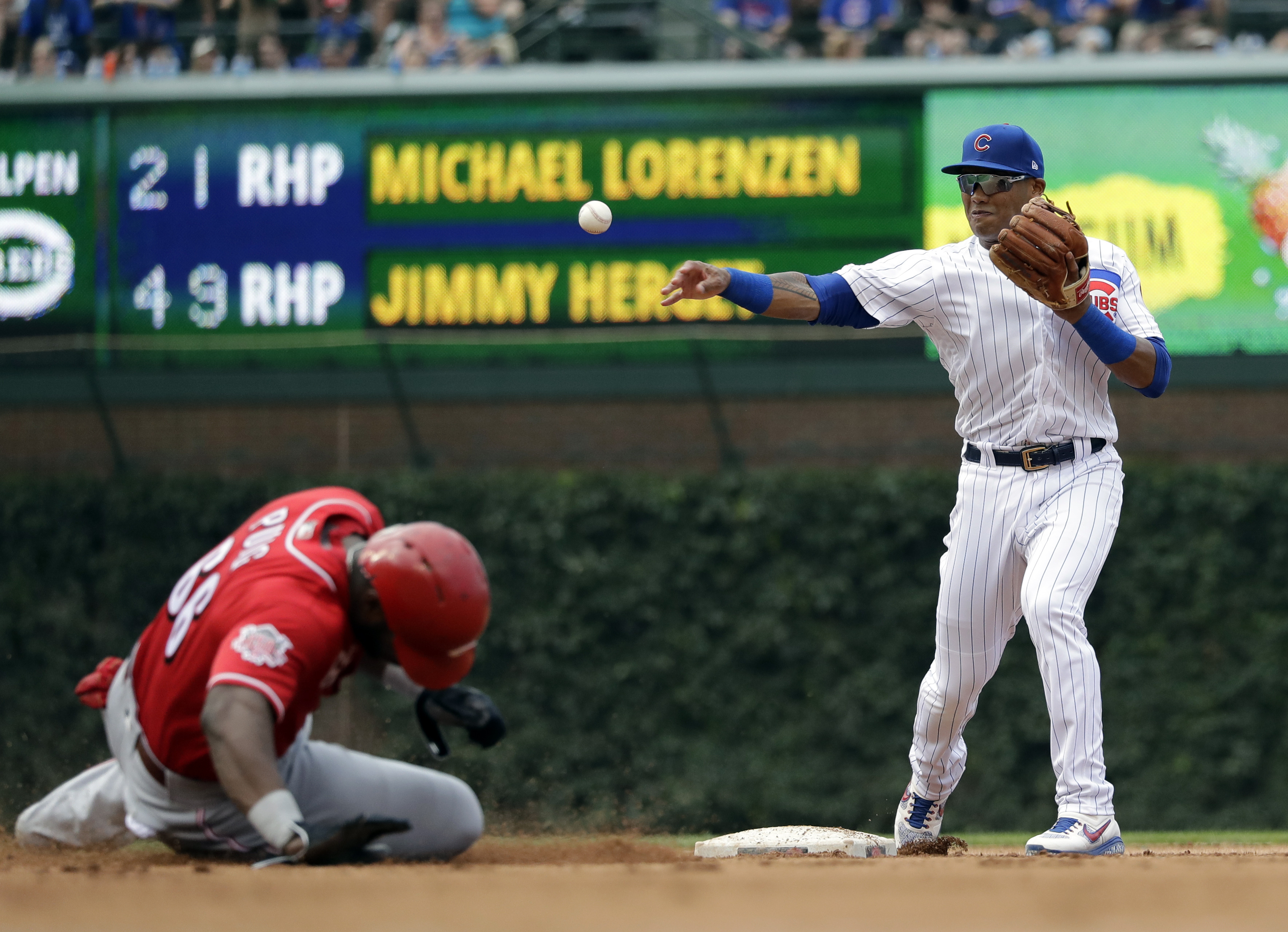 Cubs demote Russell, scratch Lester, bring Contreras off IL