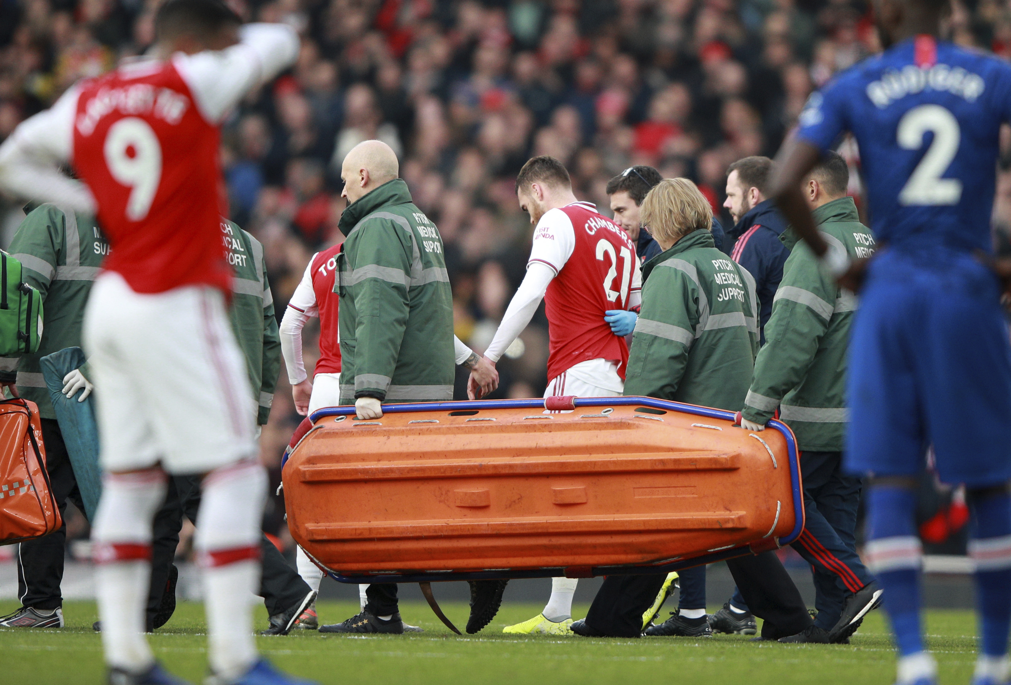 Arsenal defender Chambers out up to 9 months after surgery