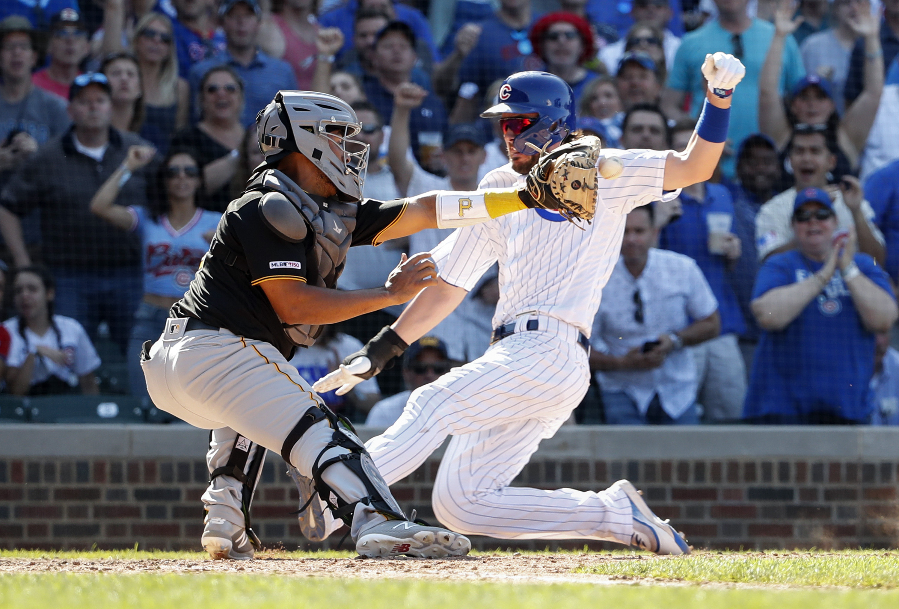 Cubs edge Pirates 4-3 on Heyward's hit, Bryant's baserunning
