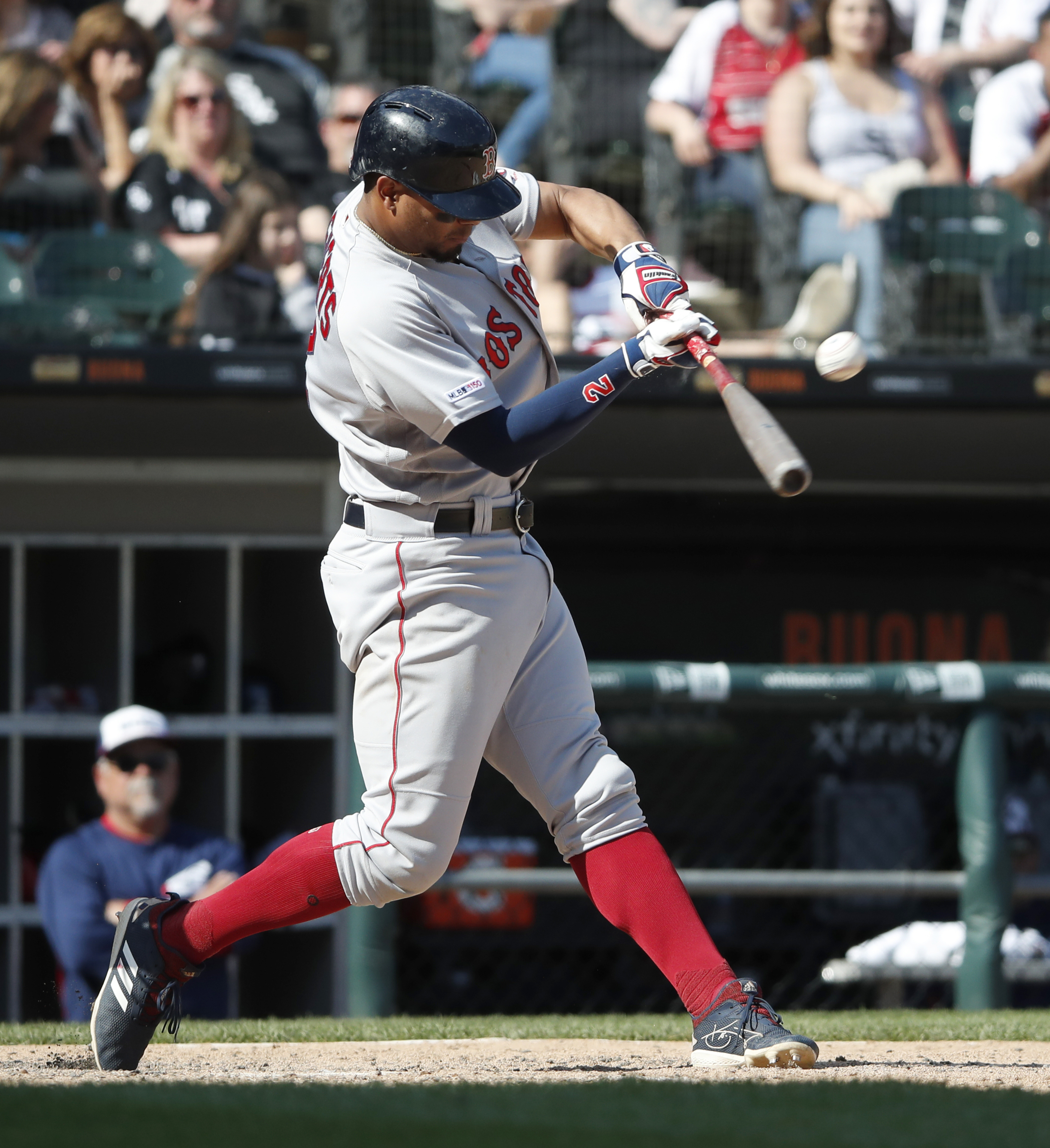Bogaerts hits slam in 7-run 8th, Red Sox beat White Sox 9-2